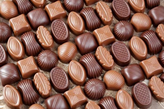 З чого роблять цукерки і масло в Україні?