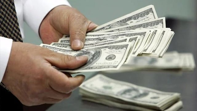 Нацбанк пояснив, чому дорожчає долар