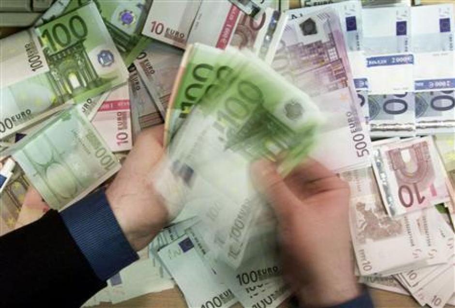 Доллар впал в немилость в России