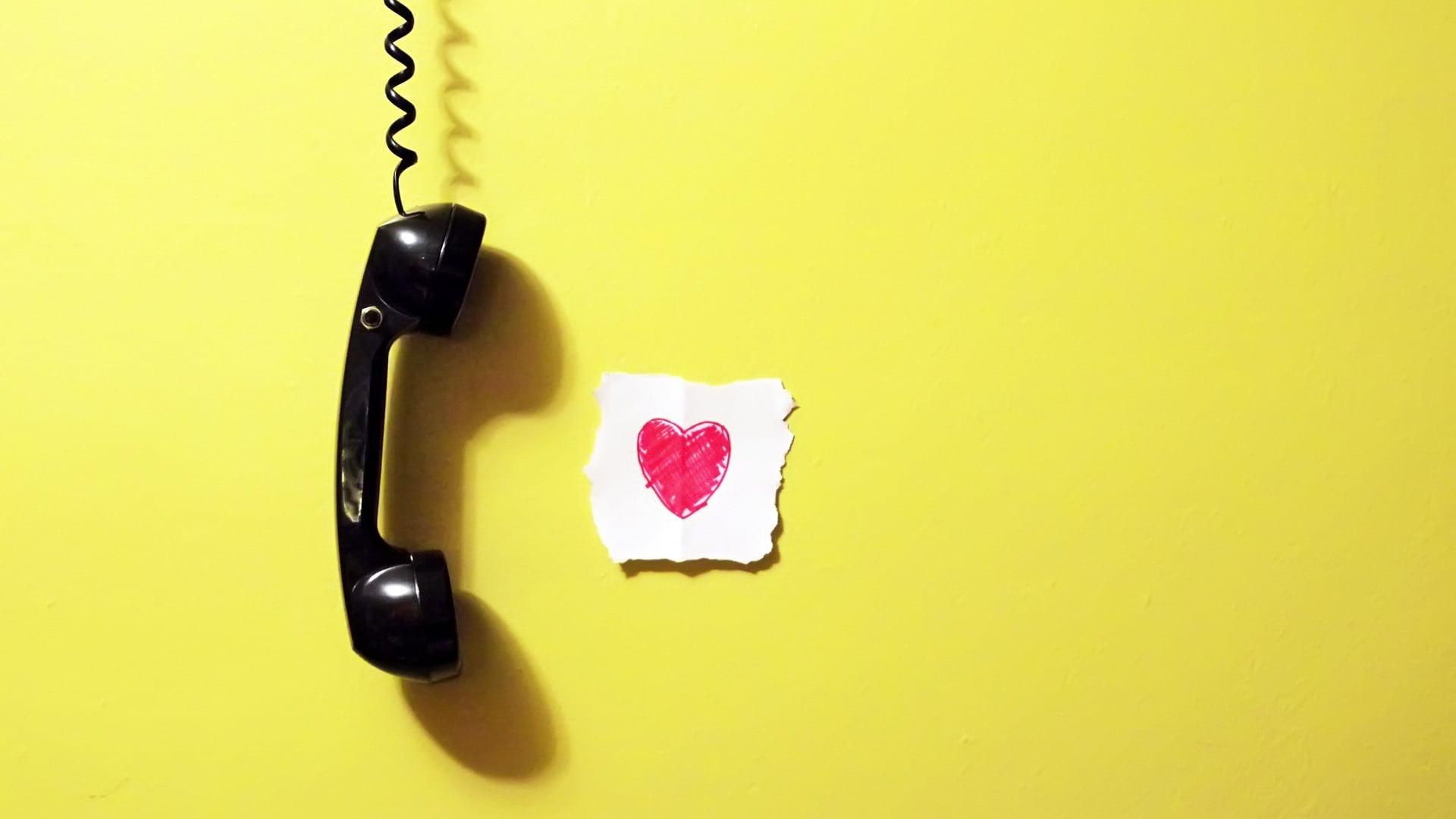Как коллекторы узнают номера телефонов родственников?
